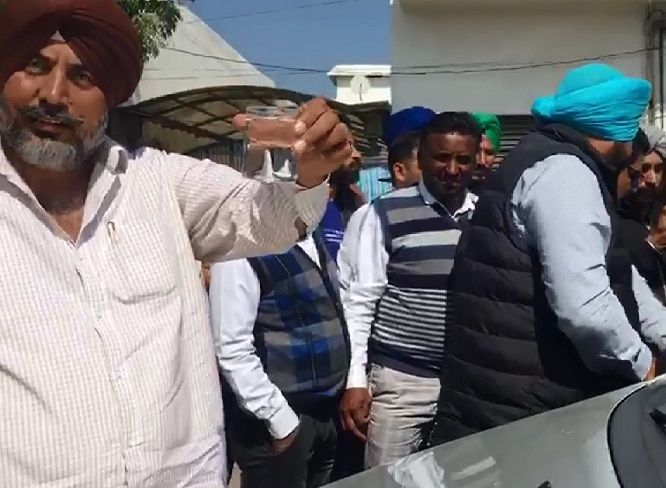 2-Red-Handed-Patiala-RTO-Gunman-arrested-in-Bathinda-accepted-bribe-from-truck-operators-compressed