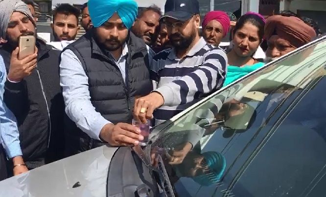 8-Red-Handed-Patiala-RTO-Gunman-arrested-in-Bathinda-accepted-bribe-from-truck-operators-compressed