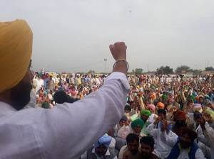 Sukhpal-Khaira-in-farmer-protest-in-sunam