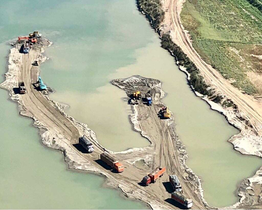 Captain-Amrinder-Singh-on-illigle-mining (3)-compressed