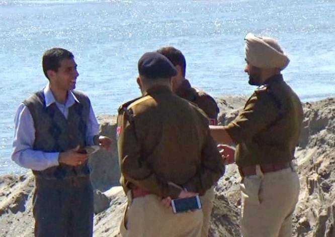 Illegal-mining-busted-in-Sutlej (7)-compressed