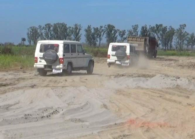 Illegal-mining-busted-in-Sutlej (9)-compressed