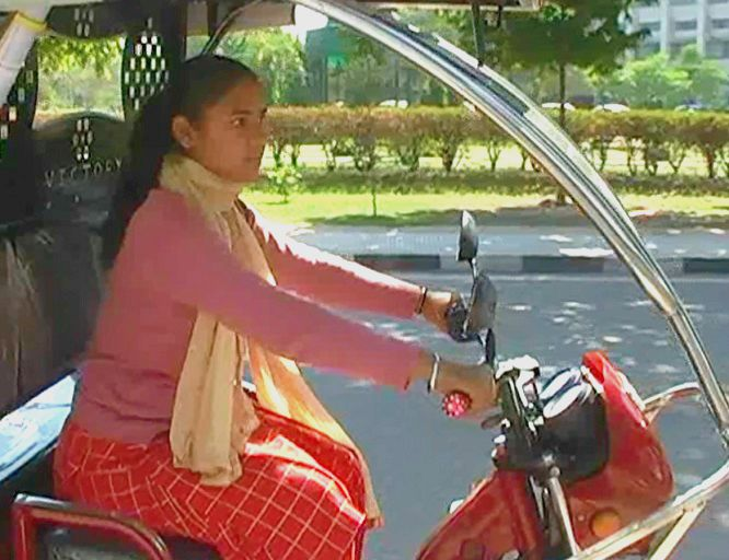 5-Patiala-Female-Auto-drivers-shalu-pinki