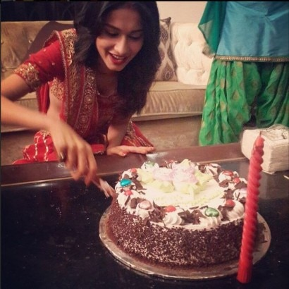 IN PICS:  Nisha  aka Aneri Vajani s unseen birthday ...