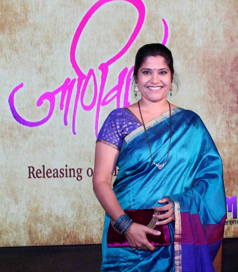 renuka shahane mother