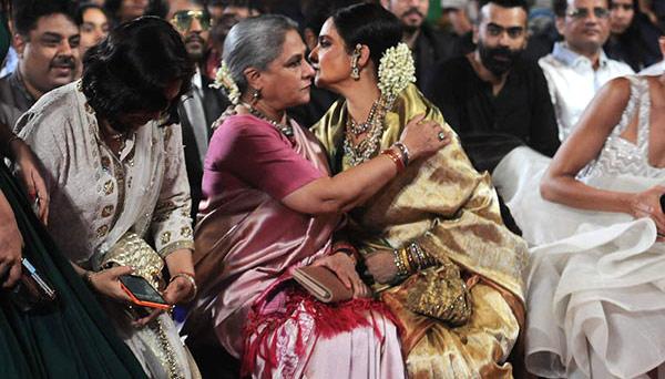 Rekha Latest News Photos Reviews: Pictures: Jaya Bachchan And Rekha Hug At Star Screen