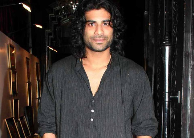 sikander kher height