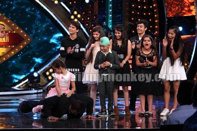 Salman Khan with 'JDJ9' kids in 'Bigg Boss 10'