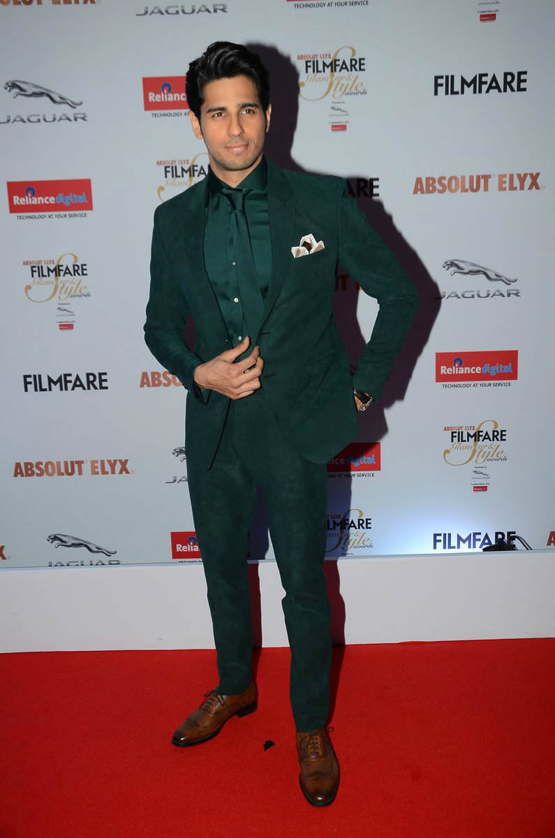 Image result for sidharth malhotra suit