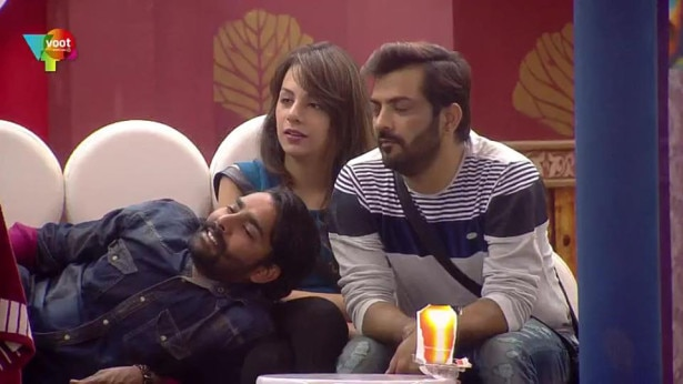 Manveer & Nitibha went along well even before Manu Punjabi had left but in his absence their friendship has gone many levels higher and they are rumored to be new love birds of this season (Pic Credit: Colors)