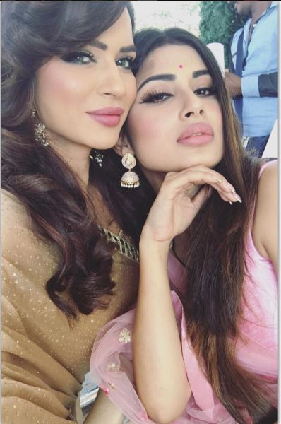 Gorgeous TV actress Aashka Goradia who plays the evil Maheshmati queen Avantika in TOP colors show 'Naagin' is all set to get married to her boyfriend in December this year