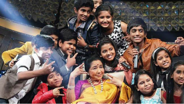 Legendary singer Asha Bhosle donates Rs 25k to 'Li'l Champs' contestants!