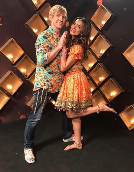 'Naagin 2' actress Aashka Goradia & her fiancee Brent were also in danger this week!