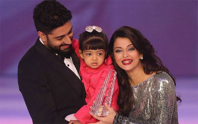 Abhishek & Aishwarya with daughter Aaradhya