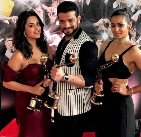 Karan Patel, Anita Hassnandani & Barka Bisht with their trophies