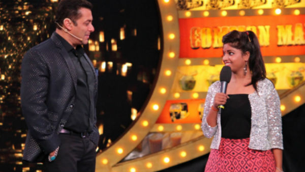 Lokesh onstage with host Salman Khan