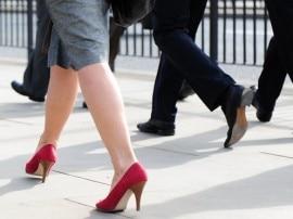 ઊંચી હીલવાળા સેન્ડલ પહેરતી માનુનીઓ અંગે સર્વેમાં શું આવ્યું સામે? શું હોય છે આ મહિલાઓની મહત્વકાંક્ષા?