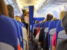 30 હજાર ફૂટ ઉંચે ઉડતા વિમાનમાં થયો પતિ-પત્ની વચ્ચે ઝઘડો, જાણો પછી શું થયું?