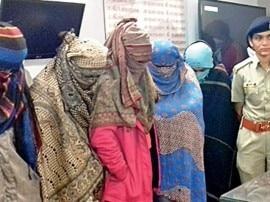 આણંદઃ NRIની દારૂ પાર્ટી, અમદાવાદ-વડોદરાની પાંચ યુવતીઓ સહિત 11 પકડાયા