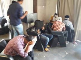 ગુજરાત યુનિવર્સિટી નજીક ગેરકાયદેસર ચાલતા હુક્કાબાર પર પોલીસ રેડ, 12ને દબોચ્યા