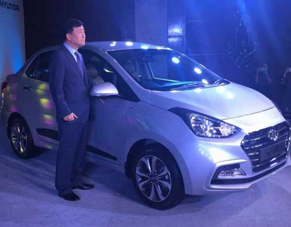 2-hyundai xcent facelift launched at rs 5 lakh 38 thousand