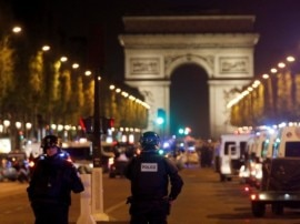પેરિસમાં રાષ્ટ્રપતિ ચૂંટણી પહેલા આતંકી હુમલો, એક પોલીસ ઓફિસરનું મોત, હુમલાખોર ઠાર