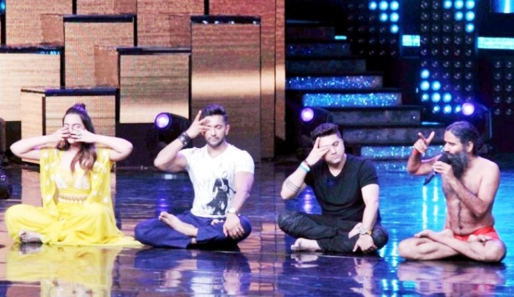 2-baba ramdevs class of yoga in nach baliye