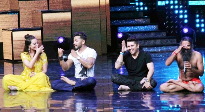 7-baba ramdevs class of yoga in nach baliye