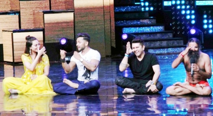 11-baba ramdevs class of yoga in nach baliye