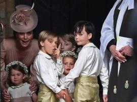 માસીના લગ્નમાં બ્રિટનના પ્રિંસ જ્યોર્જ અને Princess શાર્લોટ લાગ્યા સુપર Cute, રાજવી પરિવાર રહ્યો હાજર
