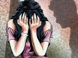 કેરળઃ કહેવાતા સંત 7 વર્ષથી જેની પર રેપ કરતા તે  યુવતીને નિર્વસ્ત્ર કરીને સેક્સ માણવા જતા હતા ને ...........
