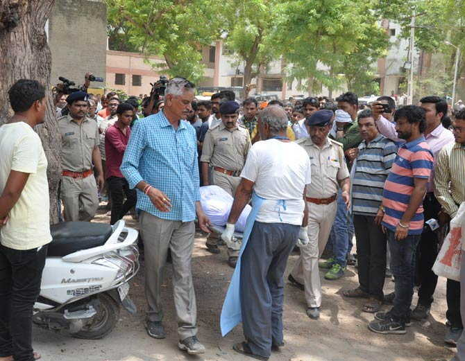 1-KETAN PATEL CUSTODIAL DEATH one constaben and one shopkeeper arrested