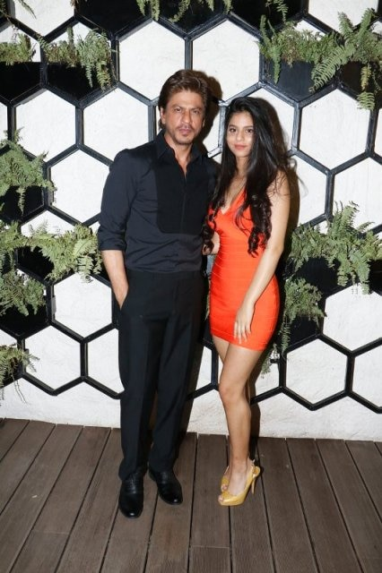 SRK-and-Suhana-on-Fathers-Dat-at-Arth