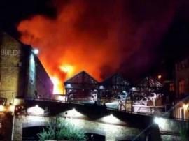 લંડનના કેમડેન લૉક બજારમાં લાગી ભીષણ આગ, કોઈ જાનહાનિ નહીં