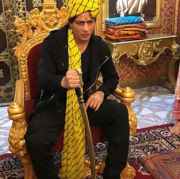 5-superstar shah rukh khan relishes rajasthani thali