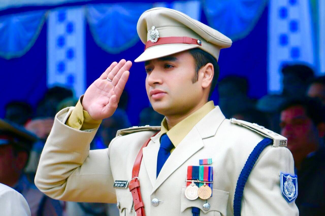 4-this dashing ips officer from madhya pradesh is stealing more hearts than bollywood stars