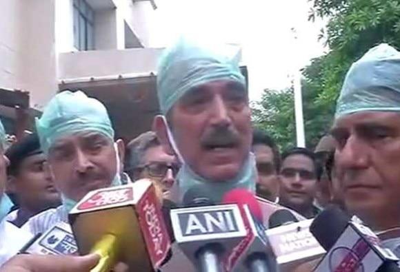 UP:ગોરખપુર BRD હોસ્પિટલમાં 60 બાળકોના મોત બાદ રાજકારણ ગરમાયું, કૉંગ્રેસે CM યોગીના રાજીનામાની માંગ કરી