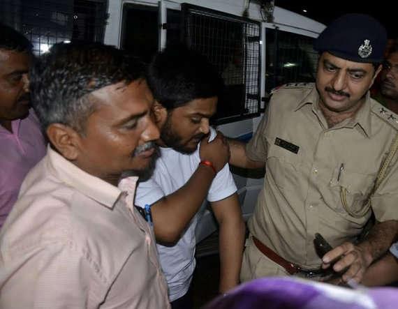 4-Patidar leader Hardik Patel, aide detained in 'assault' case, police get 3 day remand
