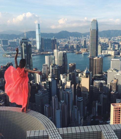 2-worlds riskiest selfie taker angela nikolau scales new heights