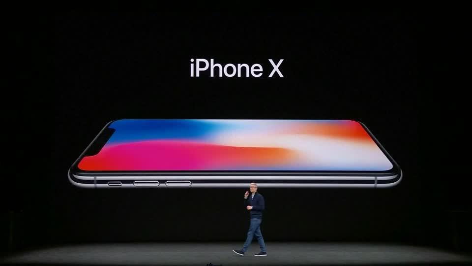 12-IPhone 8, iPhone X, Face ID, Wireless Charging, Animated Emojis And More