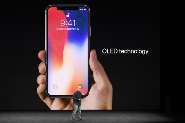 14-IPhone 8, iPhone X, Face ID, Wireless Charging, Animated Emojis And More