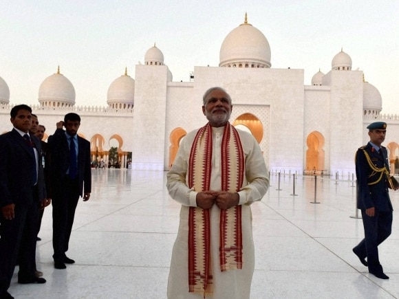 4-pm modi visits sidi saiyad masjid first time shinzo abe