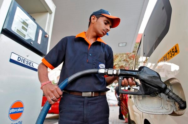 3-in gujarat 5th may decided to shut down or open Petrol pumps on Sundays