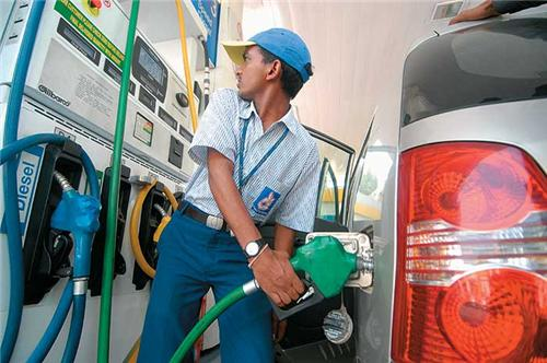 2-in gujarat 5th may decided to shut down or open Petrol pumps on Sundays