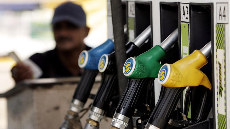 1-in gujarat 5th may decided to shut down or open Petrol pumps on Sundays