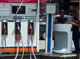 ગુજરાતમાં પેટ્રોલ અને ડીઝલ થશે સસ્તુ? PM મોદી કરી શકે છે જાહેરાત