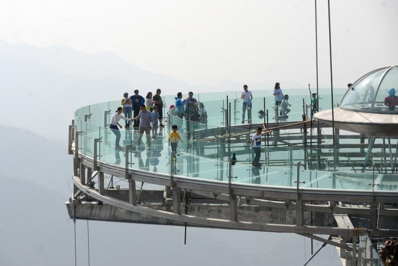 10-glass bridge cracks in china
