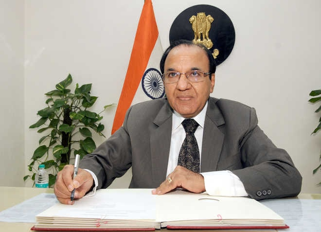 2--Ahead of Gujarat polls, CEC meets party representatives