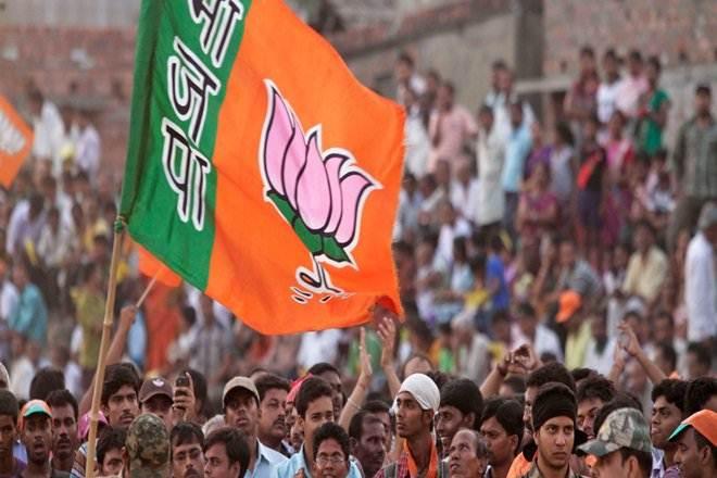 3--Ahead of Gujarat polls, CEC meets party representatives
