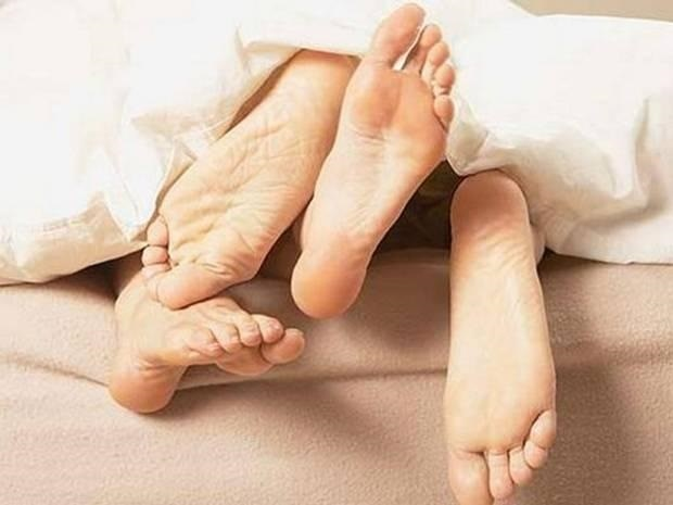 1-Oral sex may up mens risk of head, neck cancer